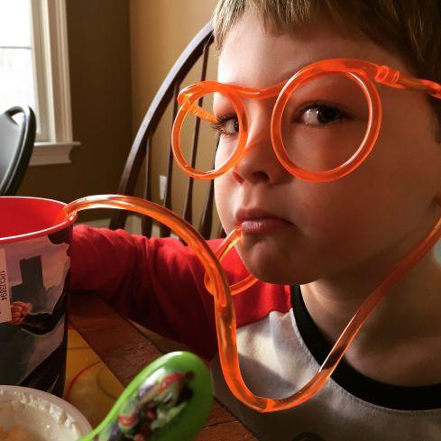 EyeglassStraw